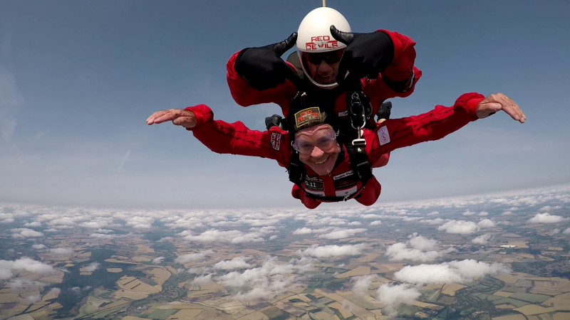 Ian Skydiving